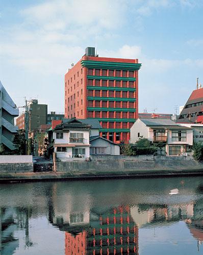 Architetti italiani famosi: palazzo a Fukuoka