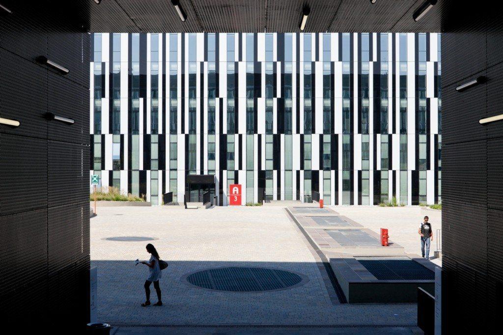 Architetti italiani famosi: Sede uffici RCS