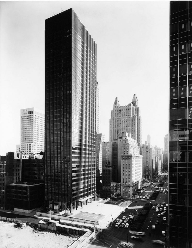 Mies Van der Rohe: Seagram Building