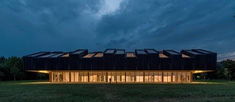Mario Cucinella: Edificio ARPA Ferrara